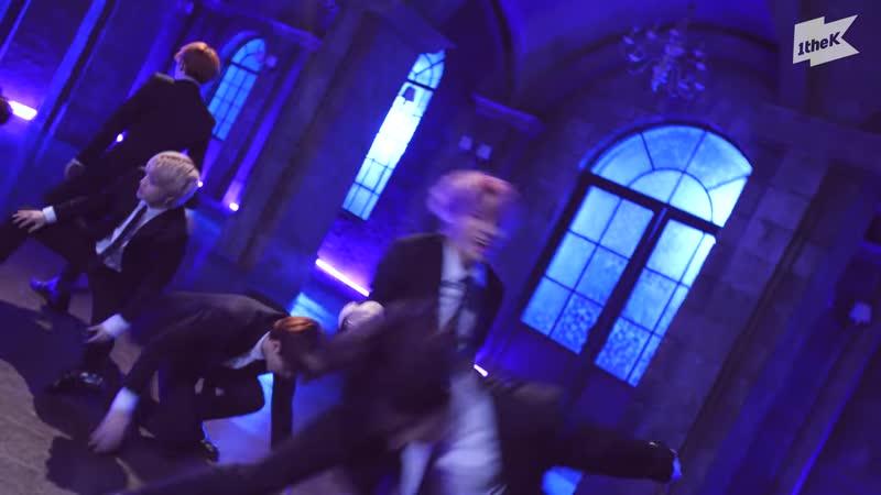 차기 퍼포먼스 장인으로 불릴 남자 아이돌 그룹은 바로 👉엘라스트👈   E'LAST_Swear(기사의 맹세)   수트댄스   Suit Dance[08.08.2020]