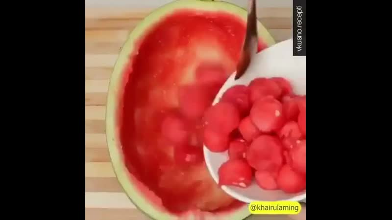 Фруктовое желе в арбузе