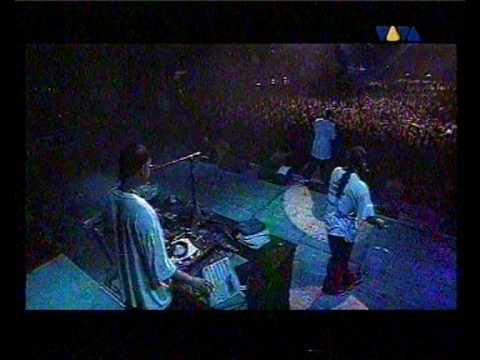 Busta Rhymes live 2 3 Put ya hands What is it Break ya neck @ Koln Germany