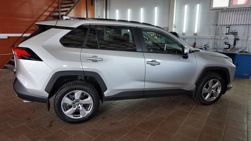 Toyota RAV4 2020 правильный шиномонтаж в Курске