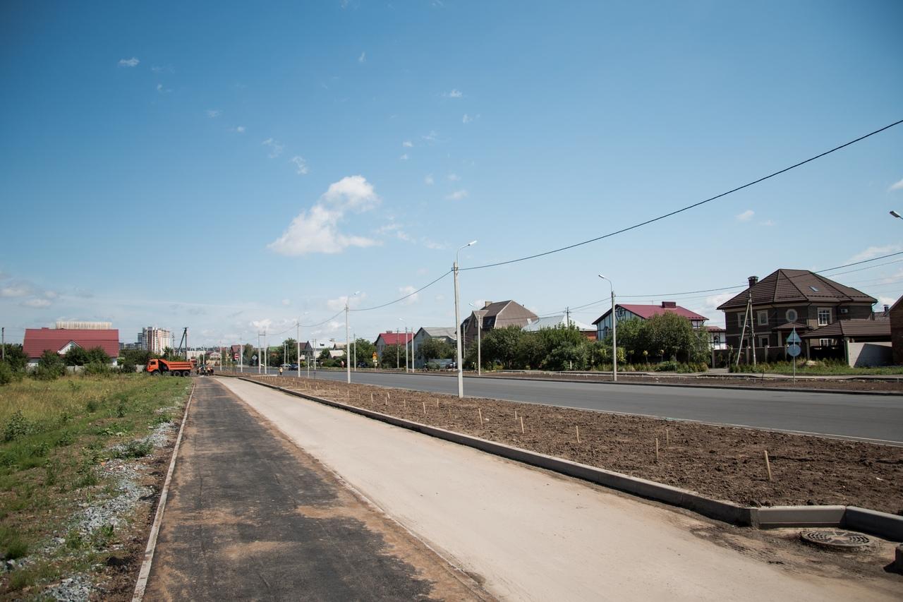К середине осени планируют открыть движение по новой дороге на проспекте Дружбы Курска