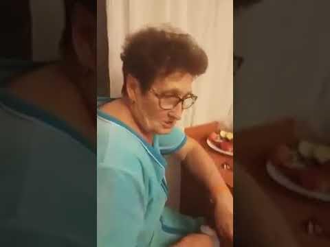 Бабушка рассказывает Анекдоты очень красочно и смешно. Девичник у старушек.