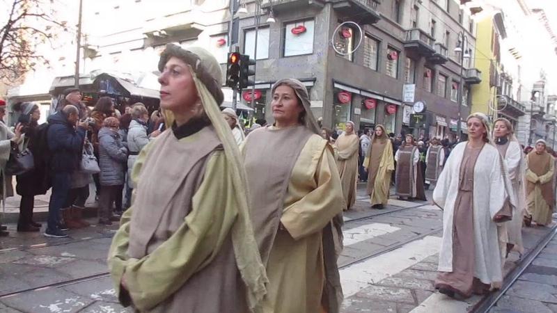 Процессия волхвов в Милане от Duomo к Sant'Eustorgio Эпифания 2020 часть 1