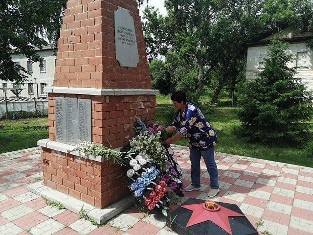 Мероприятия, посвящённые Дню памяти и скорби, состоялись в сёлах Сосновоборское, Вязьмино, Грачёвка и Оркино Петровского района.
