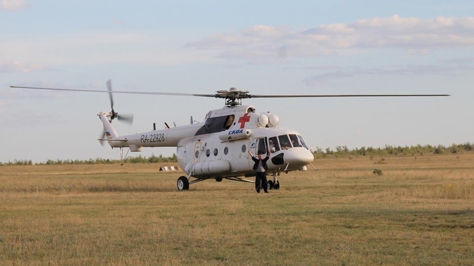 Воздушная служба санитарной авиации Саратовской области транспортировала в областной центр пациентов из Петровска