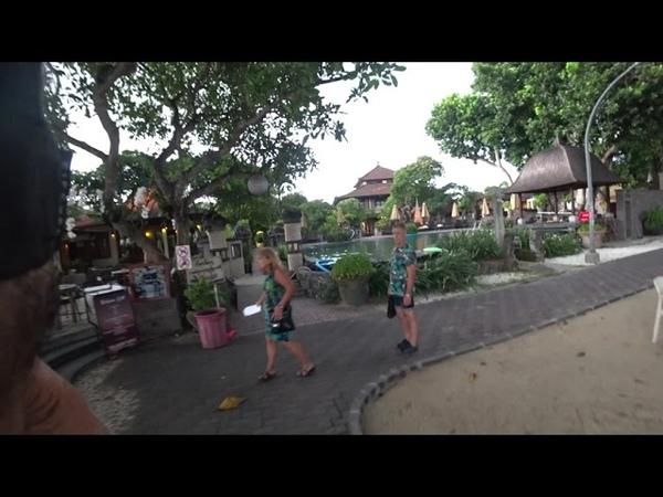 На острове Бали пробежал весь пляж Санур за 1 час 25 минут- Напали собаки и промок под ливнем.mp4