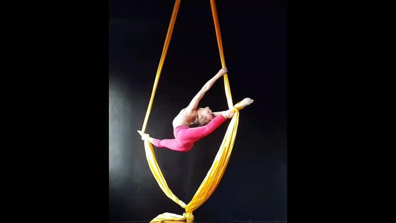 Splitbalance aerialsilks