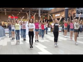 Танцевальный Флешмоб в Меге!  Презентация нового Лифан Х50. Омск.