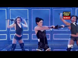 |Выступление Тома  в образе Рианны в телешоу Lip Sync Battle