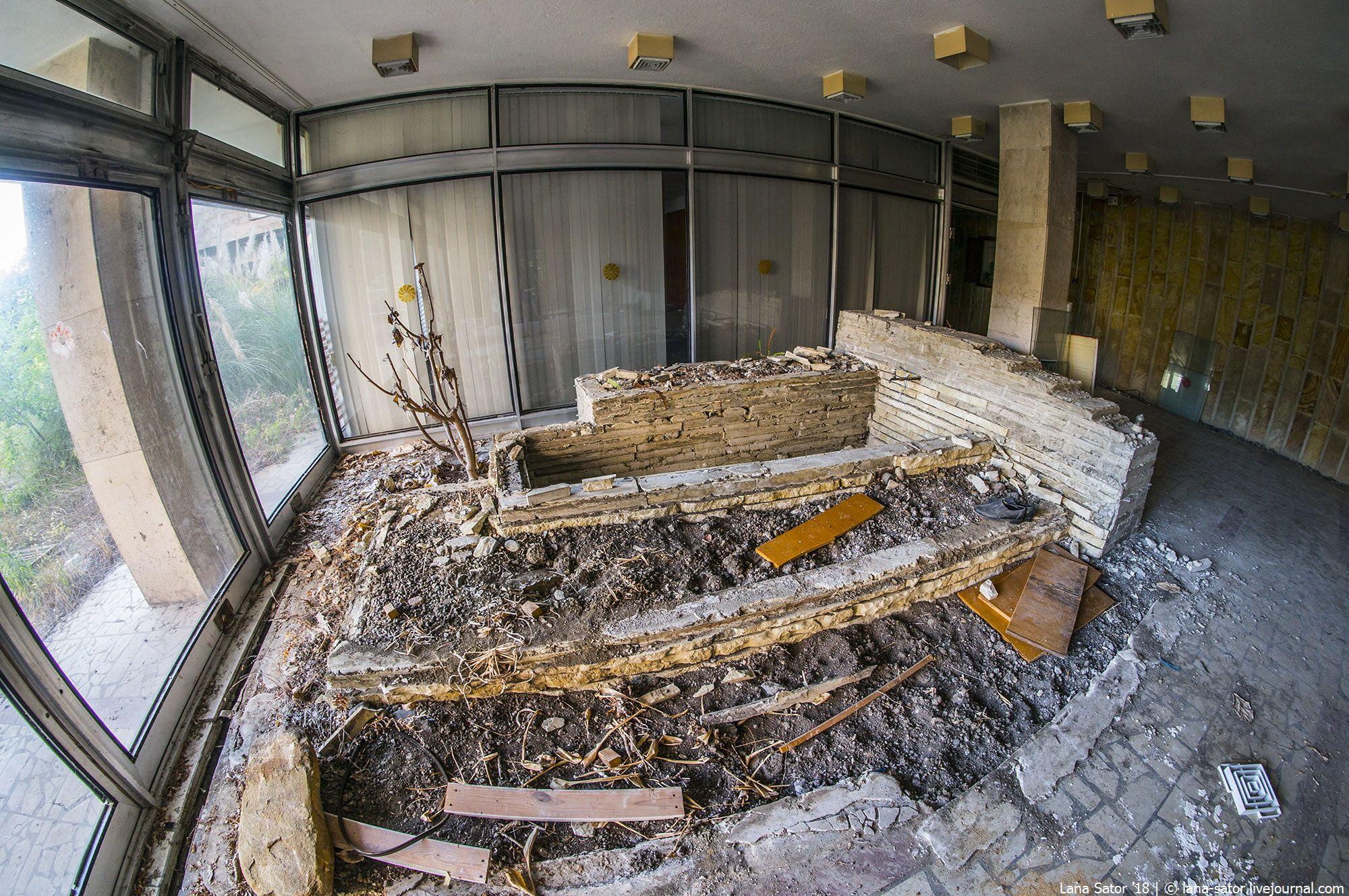Заброшенный санаторий МВД Приморье в Сочи