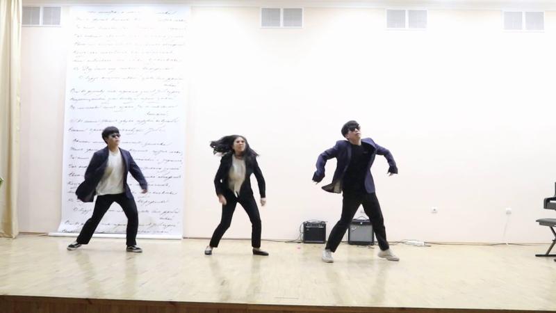 문을 여시오 Откройте дверь - корейикие студенты한국대학생들의 k-pop 깜짝 공연