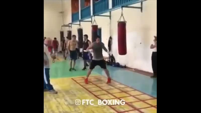Боксёра ноги кормят jrc`hf yjub rjhvzn