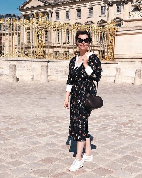 Молодая возлюбленная Евгения Петросяна тратит 130 тысяч рублей в день. Любит брендовые вещи.