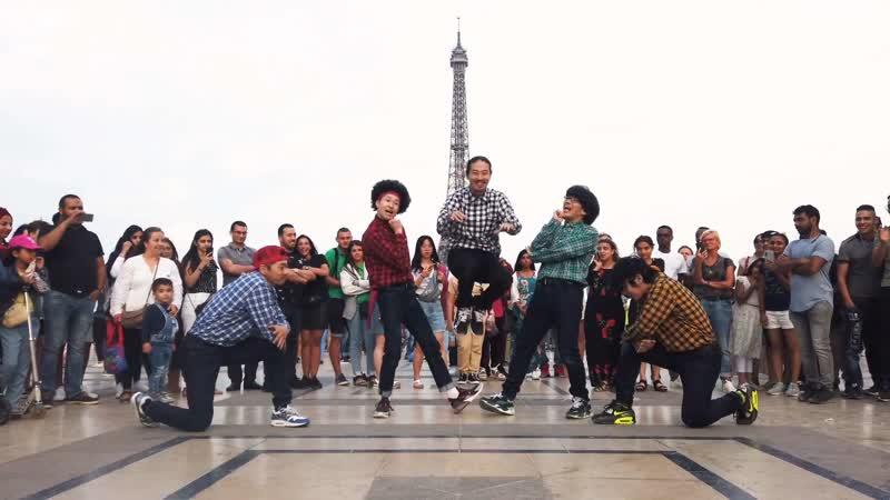 RAB エッフェル塔の前で『シュガーソングとビターステップ』を踊ってみた リアルアキバボーイズ 1080 x 1920 sm35798748