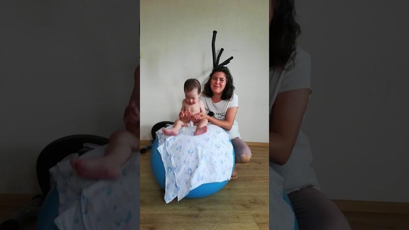 Гимнастика лфк фитбол бабат терапия 9 12 месяцев