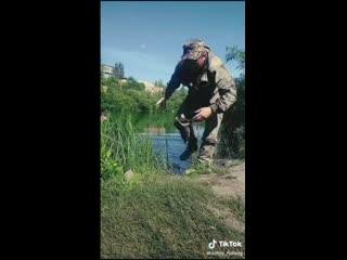Взял жену на рыбалку))