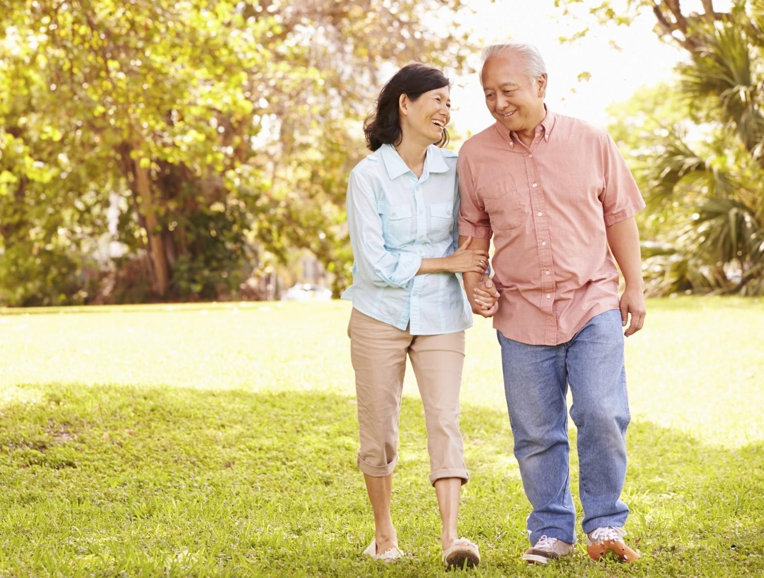 Прогулки или ходьба в комфортном темпе является наиболее доступным видом физической активности для людей с диабетом 2 типа, вне зависимости от тяжести диабета и сопутствующих заболеваний.