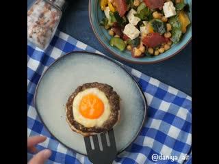 запечённые котлеты с яйцом и сыром
