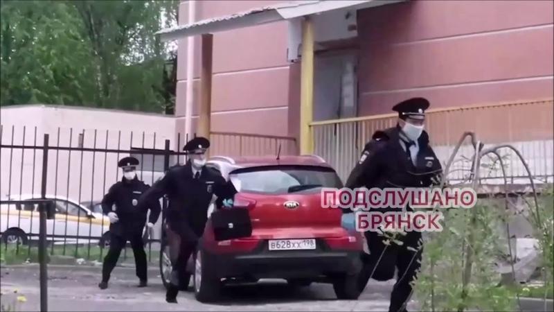 Как мужика без маски 3 полицейских поймать не смогли