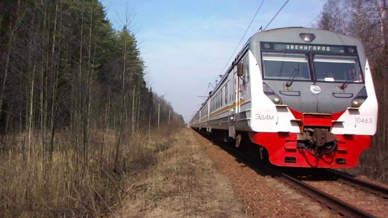 Между Темпами и Запрудней электропоезд из Дубны следует на Москву