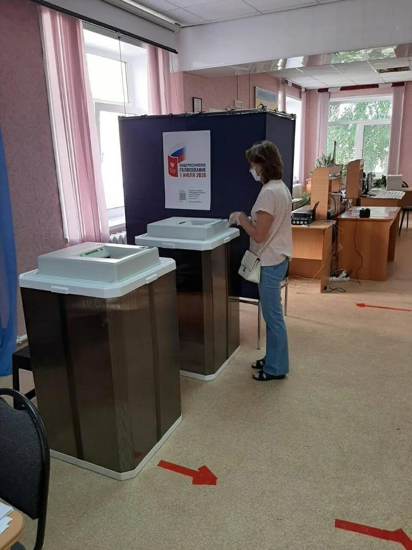В Петровском районе продолжается голосование по вопросу внесения поправок в Конституцию Российской Федерации.