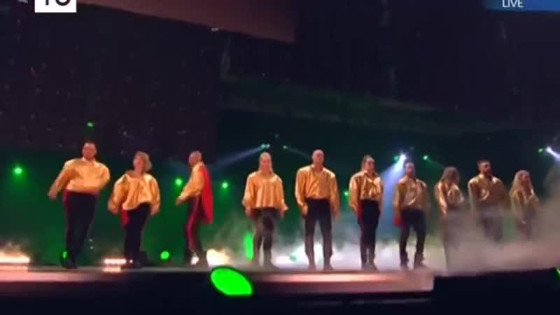 2yxa ru LOBODA Maks Barskih Tvoi glaza Tumany MUZ TV 2017 XL6av ATA5A 00