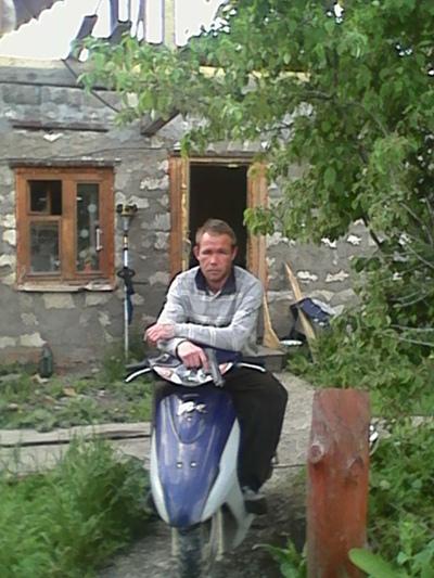Максим, 32, Okhansk