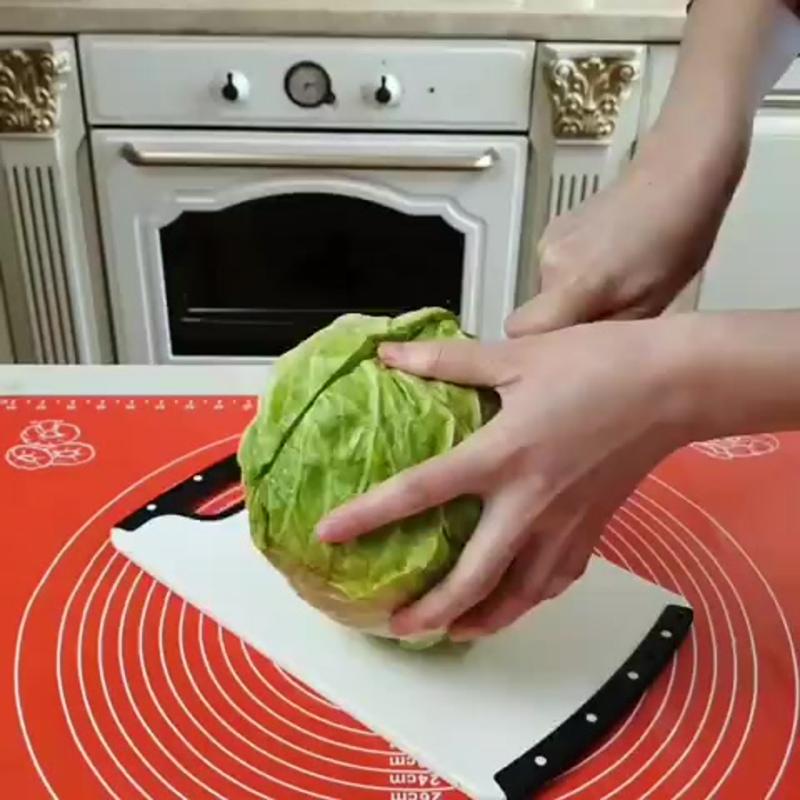 Салат-Весенний салатик из свежей капусты