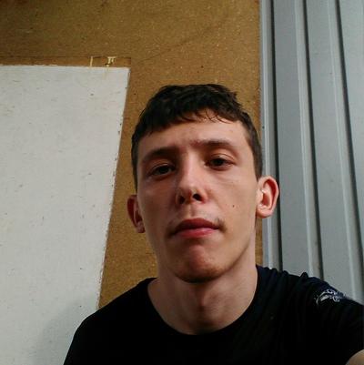 Dmitriy, 26, Mirnyy