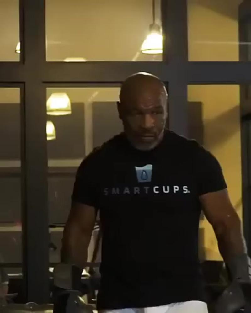 Майк Тайсон на тренировке в 53 года!