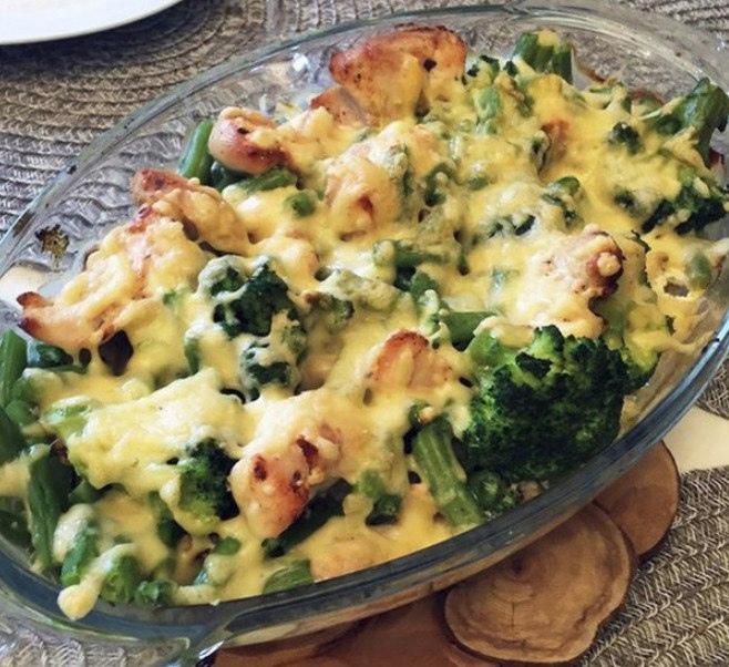 Куриное филе с брокколи под сыром на ужин!