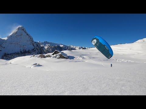 Snowkiting when snow flies Alex RObin et Jeremie Marache