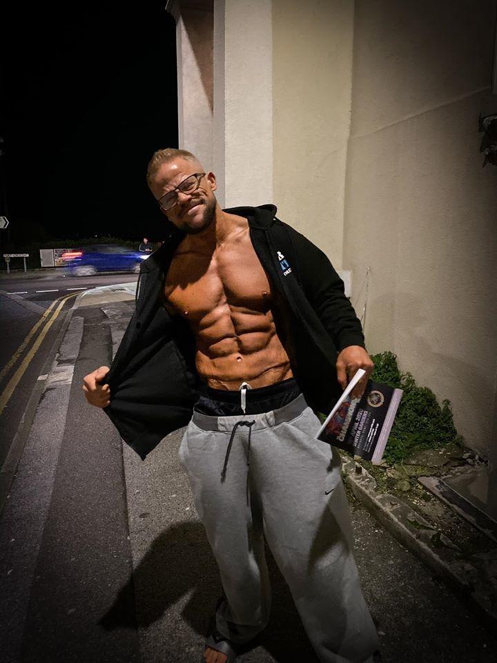Британец похудел на 50 килограммов ради своей жены