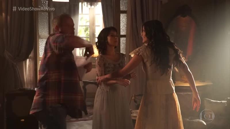 Vitória Strada e Andréia Horta ensaiam cena de briga Globoplay