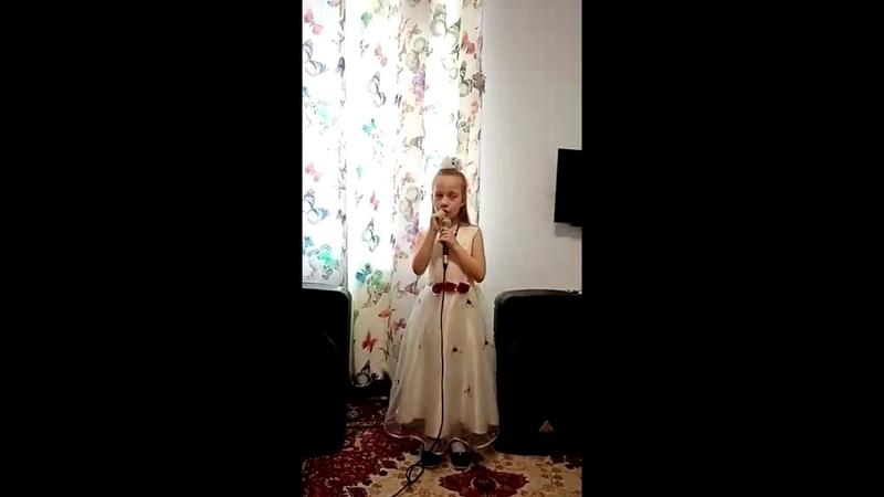Мила Архипова готова к выпуску в Д/C №574 Cанкт-Петербурга Волшебнаястрана песня