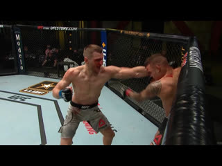 Самые яркие моменты UFC Вегас 4: Порье vs Хукер