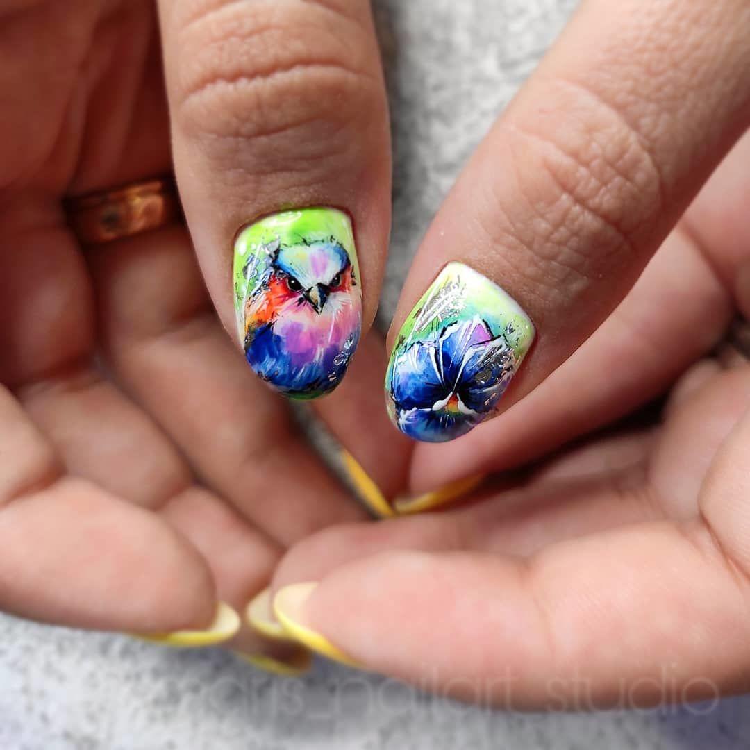 """Большие пальчики всегда называю """"пальцами эгоиста""""  пальцы, рисунок на которых чаще всего виден обладателю маникюра и реже виден окружающим."""