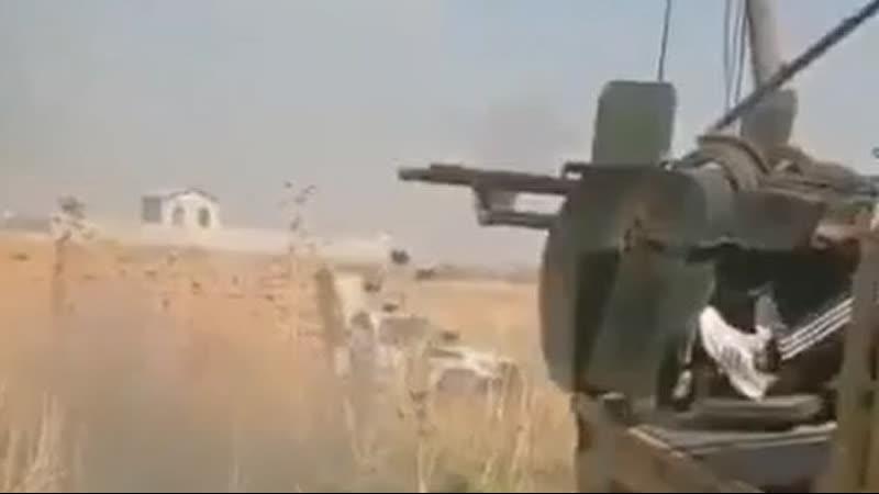 Боевики двух протурецких группировок уже несколько часов ведут бои в окрестностях города Рас-эль-Айн