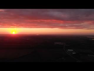 Невероятно красивый закат с высоты птичьего полёта